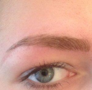 Schöne Augenbrauen